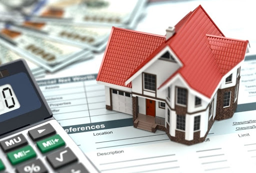 Risks of Buying a House With a Loan